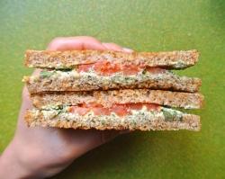 vegan-pesto-grilled-cashew-cheese-sandwiches-3
